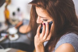 4 Tips To Make A Good Impression On Phone Interviews